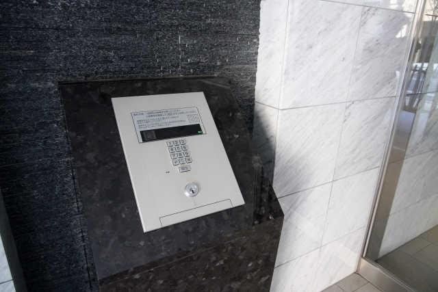 コープはオートロック付きマンションで不在の場合でも利用できる?